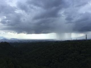 雨を遠くから眺める.JPG
